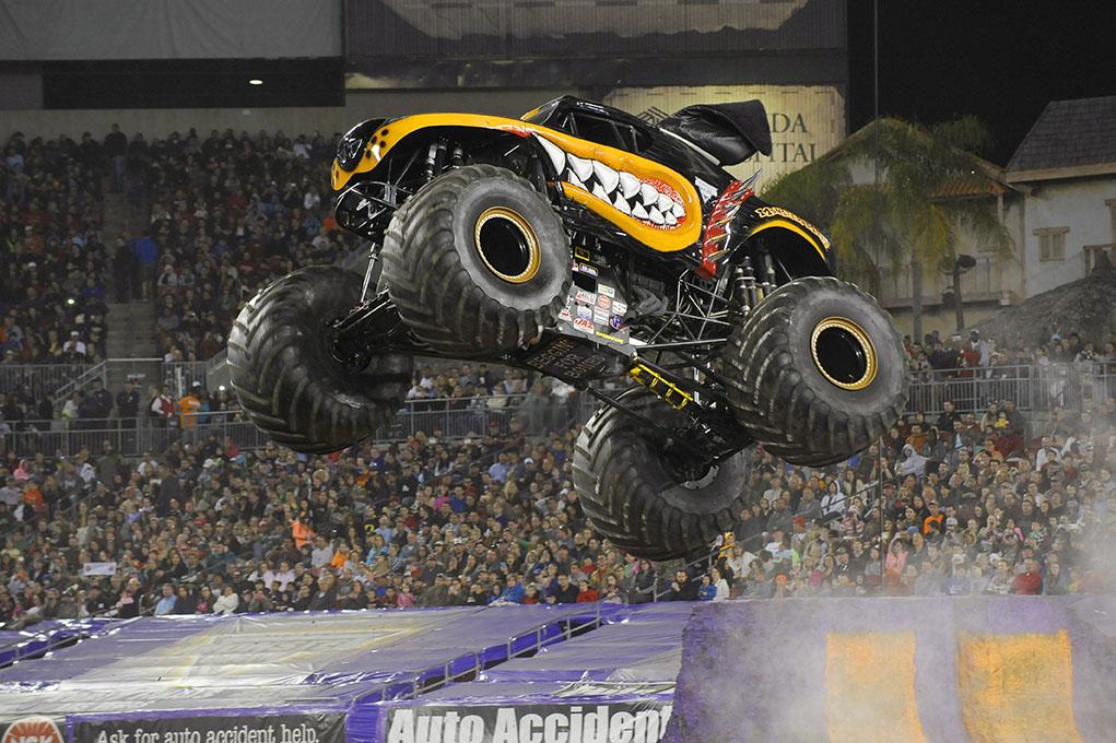 Monster truck monster mutt