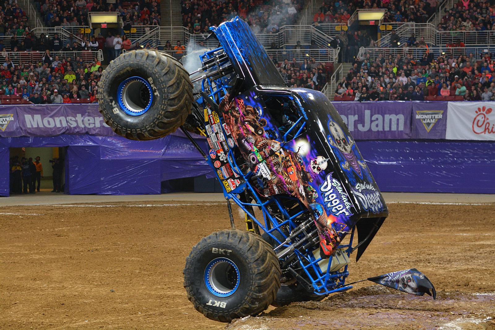 Wheelstand for Son-uva Digger (Photo by Jason Twite)